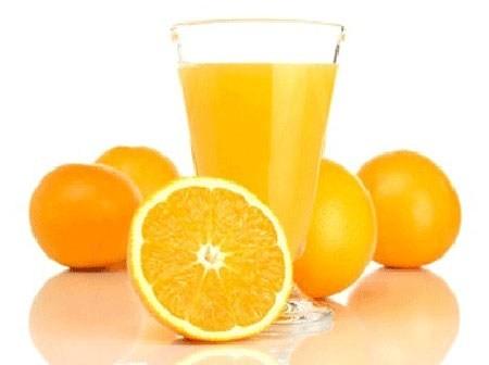 Nước cam chanh trị nhiệt miệng hiệu quả